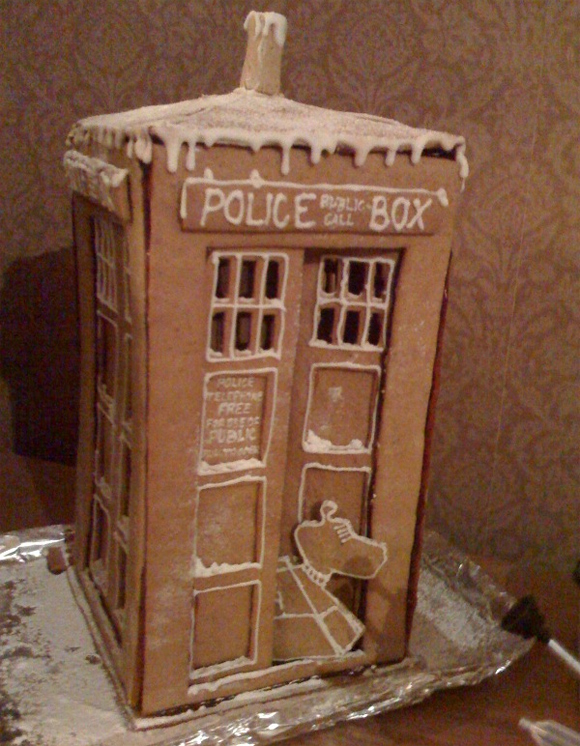 police box ginger bread Geeks Know How To Make Gingerbread